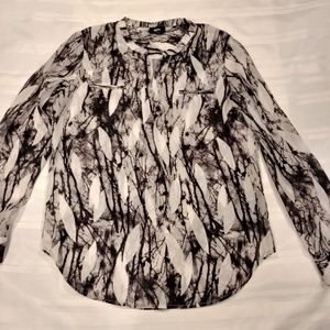MOSSIMO Sheer Black/White Long Sleeve V-Neck Pullo